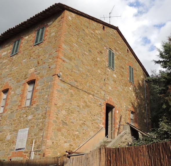 La maison n° 53 via Guglielmi, Isola Maggiore, Tuoro sul Trasimeno (PG).