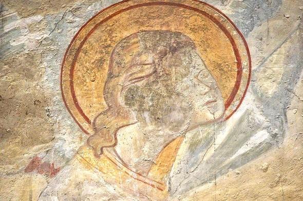 Détail de la fresque : le visage du même ange.