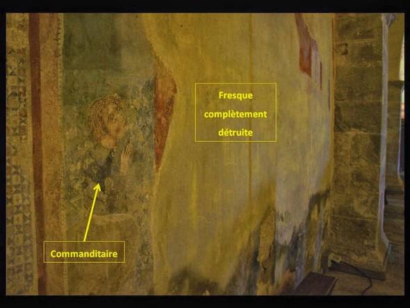 À part le visage du commanditaire, il ne reste pratiquement rien de cette fresque.