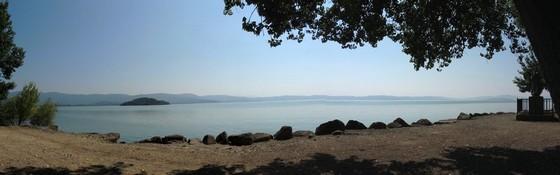 Il 25 Giulio 2013 : una vista panoramica di nuovo libera allo spiazzzo della statua di San Francesco (Isola Maggiore)