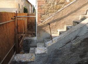 Scala esterna della casa  (2)