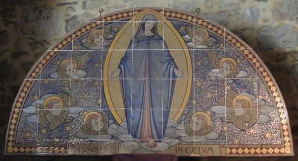 Lunette de faïence avec une représentation de l'Assomption de la Vierge Marie   -   Galileo Chini