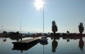 Un des deux nouveaux embarcadères au soleil levant.