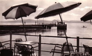 1963 - Pontile de Castiglione del Lago vu du Lido communal.