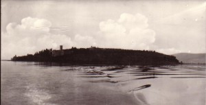 1965   -   Isola Maggiore vue depuis l'Isola Minore.