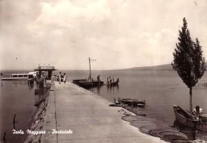 """1966   -   Le """"nouveau"""" débarcadère à l'Isola Maggiore."""