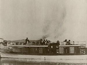 """1905 - Le """"Concordia"""", bateau à vapeur de la """"Società di navigazione del Trasimeno"""" (Passignano)."""