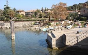 Première vue à l'arrivée au débarcadère de l'Isola Maggiore  -  27/10/2009