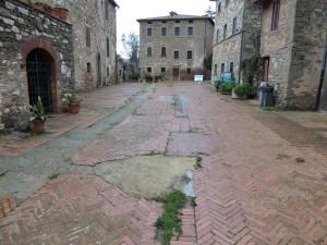 Déplorable état du pavement de la via Guglielmi; seule rue de l'Isola Maggiore - 22/01/2013