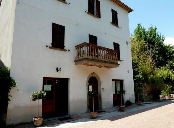 """Le restaurant """"L'Oso""""   -   Mai 2011."""