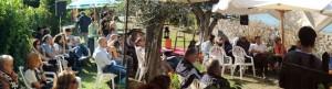 """Vista panoramica, ma parziale, della riunione nel giardino del ristorante """"Da Sauro""""   -   2013/09/22."""