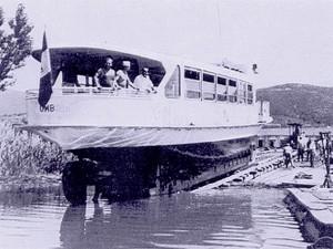 1963 - Mise à l'eau de l' Umbria à Passignano.LANCEMENT UMBRIA PASSIGNANO
