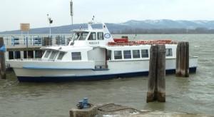 L' Agilla II amarré au débarcadère de l' Isola Maggiore.