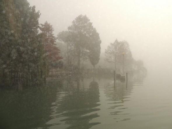 Arrivée à notre darse privée, à côté de notre jardin (Isola Maggiore) - 10/12/2013,  14:30