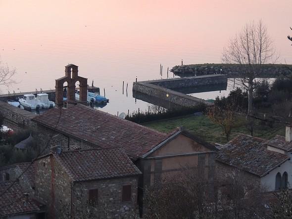 La chiesa del Buon Gesù et les darses de l'Isola Maggiore (autre photo prise de la strada di San Salvatore) - 18/12/2013,   17:52
