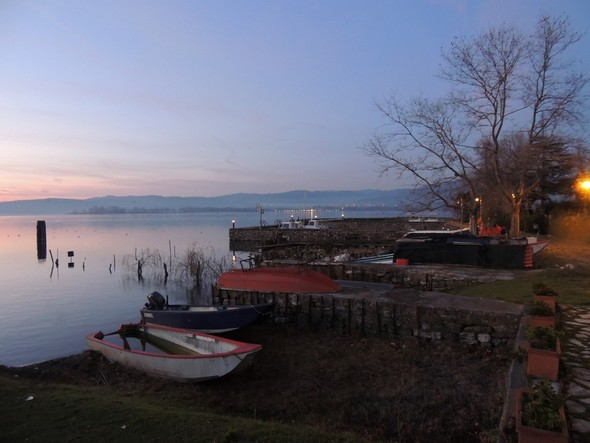Barques, darse de l'Isola Maggiore et ses lumières - 18/12/2013,   18:14.
