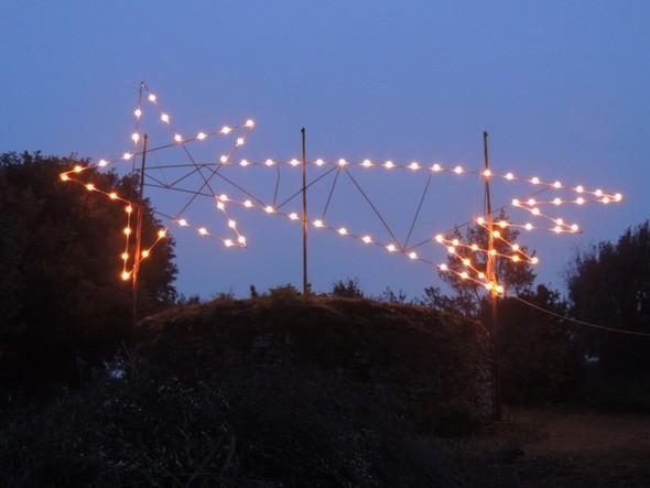 L'étoile de Bethléem brillait encore au sommet de l'Isola Maggiore le 27 décembre 2012 !