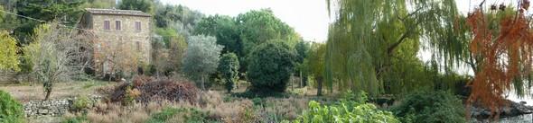 Novembre 2011  : vue panoramique de ce jardin.