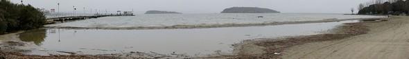 Vue panoramique plus large avec en arrière-plan des deux îles, Maggiore et Minore - 19/02/2014.