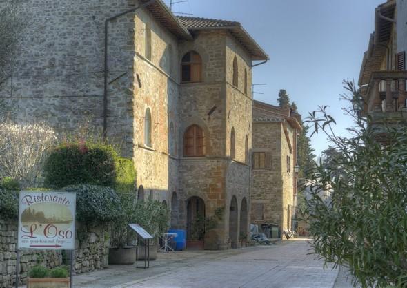 Autre vue du palazzo médiéval.