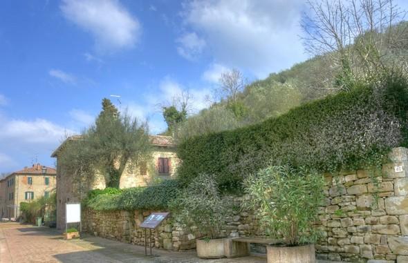 Un nouveau jardin du côté du versant de la colline, juste après le palazzo.