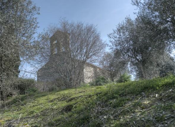 Vrai de vrai, cette fois on arrive bien à la Chiesa di San Michele Arcangelo, point culminant de l'Isola Maggiore.