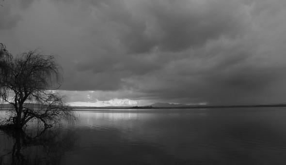 Dès le 27 février, les ciel se chargea de lourds nuages menaçants.