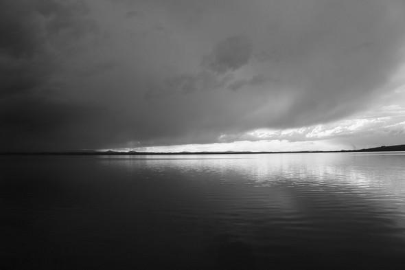 Un lourd manteau noir vint se dérouler au-dessus du Trasimène...