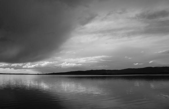 La chape nuageuse arrive à Punta Navaccia...