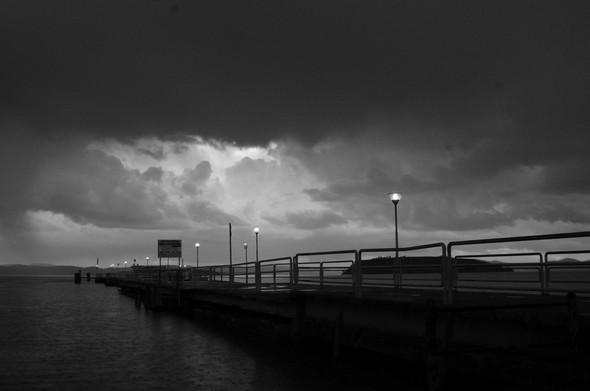 La pluie est sur le point d'éclater au-dessus du débarcadère de Tuoro-Navaccia   -   Le 27/02/2014,  à 17:15.
