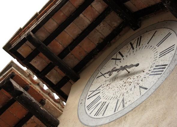 L'horloge de la Casa del Capitano del Popolo.