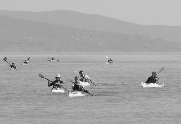 Un dernier effort en direction de Tuoro-Navaccia, le terminus de leur week-end au lac Trasimène.
