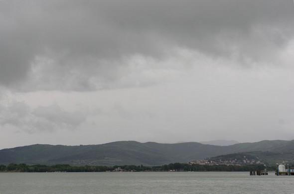 Au petit matin du samedi 3 mai 2014, le ciel est bien gris et maussade après le violent orage de la nuit.