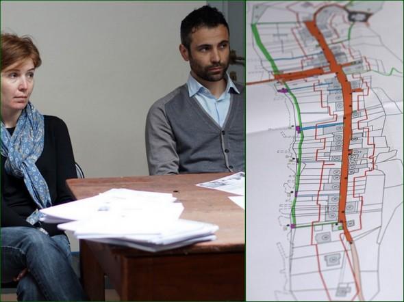 Gli architetti Sara D'Agostina e Michele Fruscoloni con una parte del loro piano.