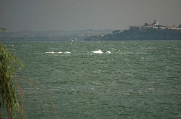 La vague - Vue de chez nous en direction du promontoire de Castiglione del lago  -  12/06/2014.