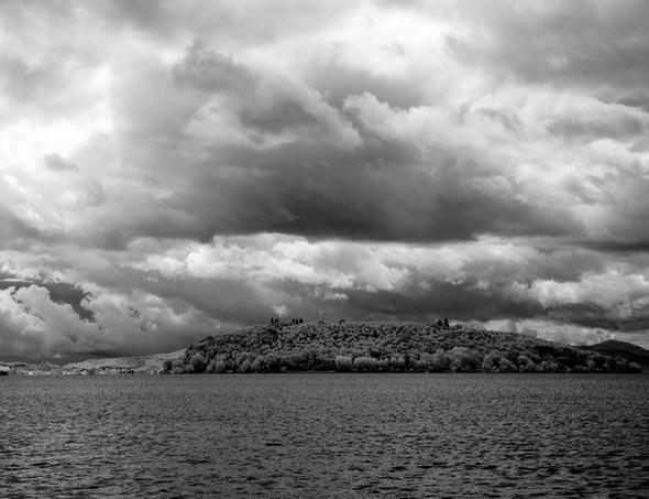 """""""Menace"""" sur l'Isola Maggiore."""