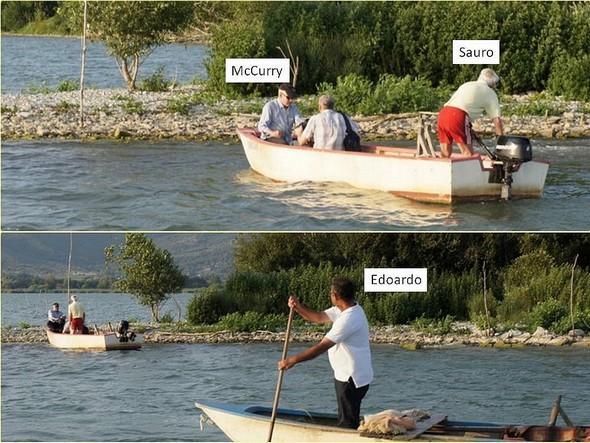 A 18:36, McCurry débarque à l'Isola Maggiore et Edoardo se positionne pour simuler une pêche au filet.