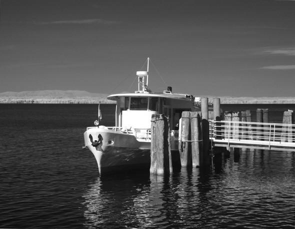 Arrivé du traghetto au pontile de l'Isola Maggiore.