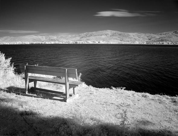 Médictation solitaire face au lac Trasimène.
