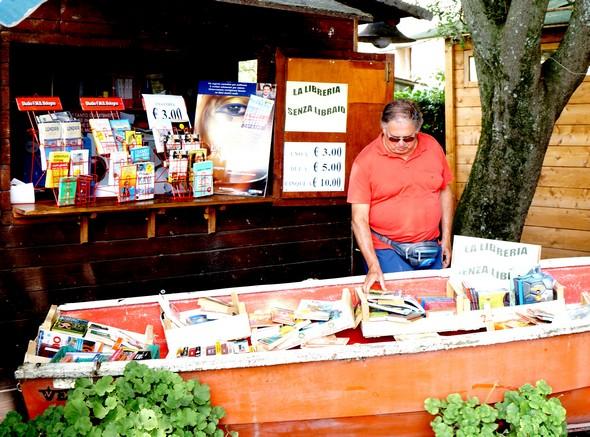 """Isola Maggiore, Isola del Libro : pesca  """"miracolosa"""" ..."""
