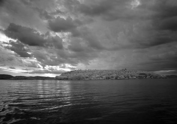 Et à son tour, l' Isola Maggiore commence à émerger des ténèbres...