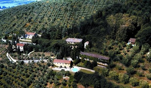 Borgo Dogana a Tuoro-sul-Trasimeno.