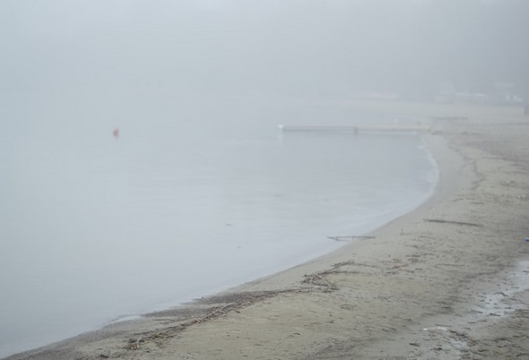 La plage du Lido de Tuoro-Navaccia vue depuis le débarcadère.