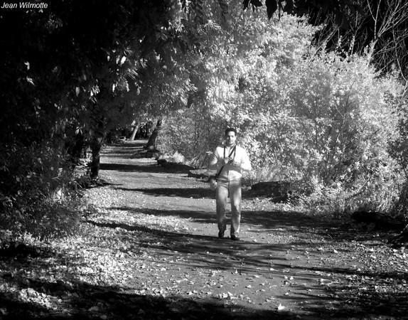 "Dinu en ""safari photo"" le long du lungolago à l'Isola Maggiore..."