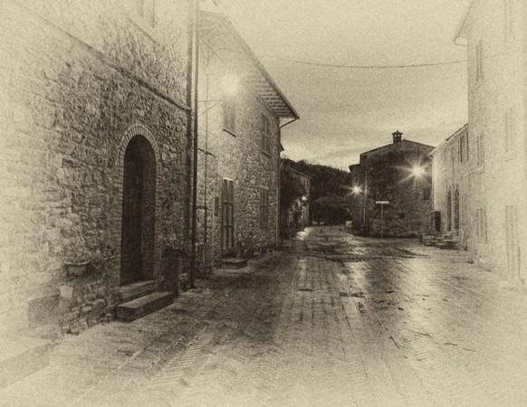 Venant du nord, et se rapprochant de la piazzetta Sn Francesco, lieu d'embarquement.
