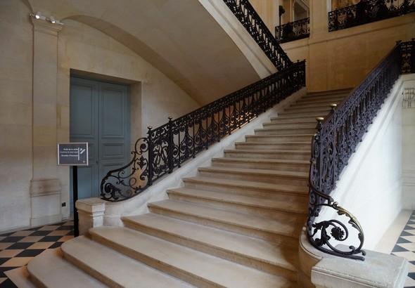 Escalier monumental classique d'un Hôtel de maître - © Dinu Wilmotte