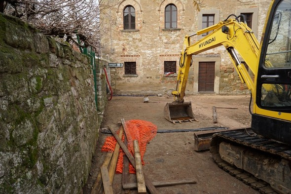 I lavori in corso riguardano solo una decina di metri della via Guglielmi !