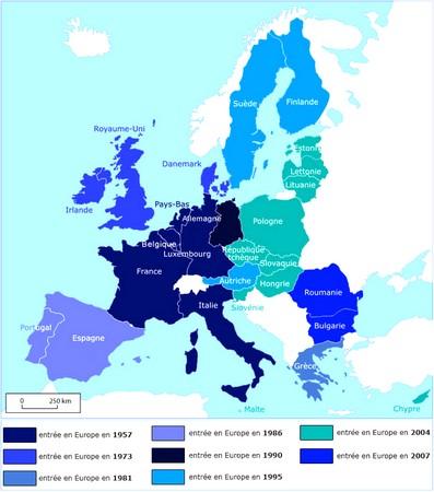 Elargissement progressif des territoires de la Communauté Européenne. A comparer avec la carte en tête d'article du morcellement de la seule Italie avant 1860.