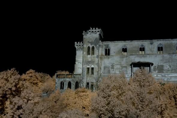 Façade Est du château Guglielmi.
