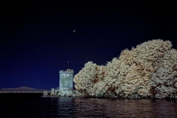 A la pointe sud de l'Isola Maggiore, dans le domaine du château Guglielmi, un des deux moulins de l'île.